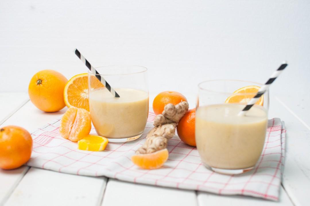 Mandarinen Orangen Smoothie http://vollgut-gutvoll.de/2015/11/29/mandarinen-orangen-smoothie/