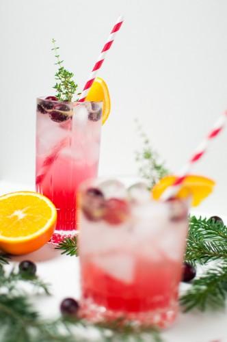 Cranberry Orange Gin Fizz http://vollgut-gutvoll.de/2015/12/24/cranberry-orange-gin-fizz/