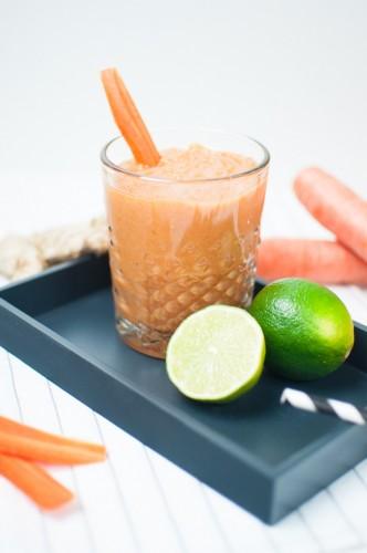 Karotten Ananas Ingwer Smoothie
