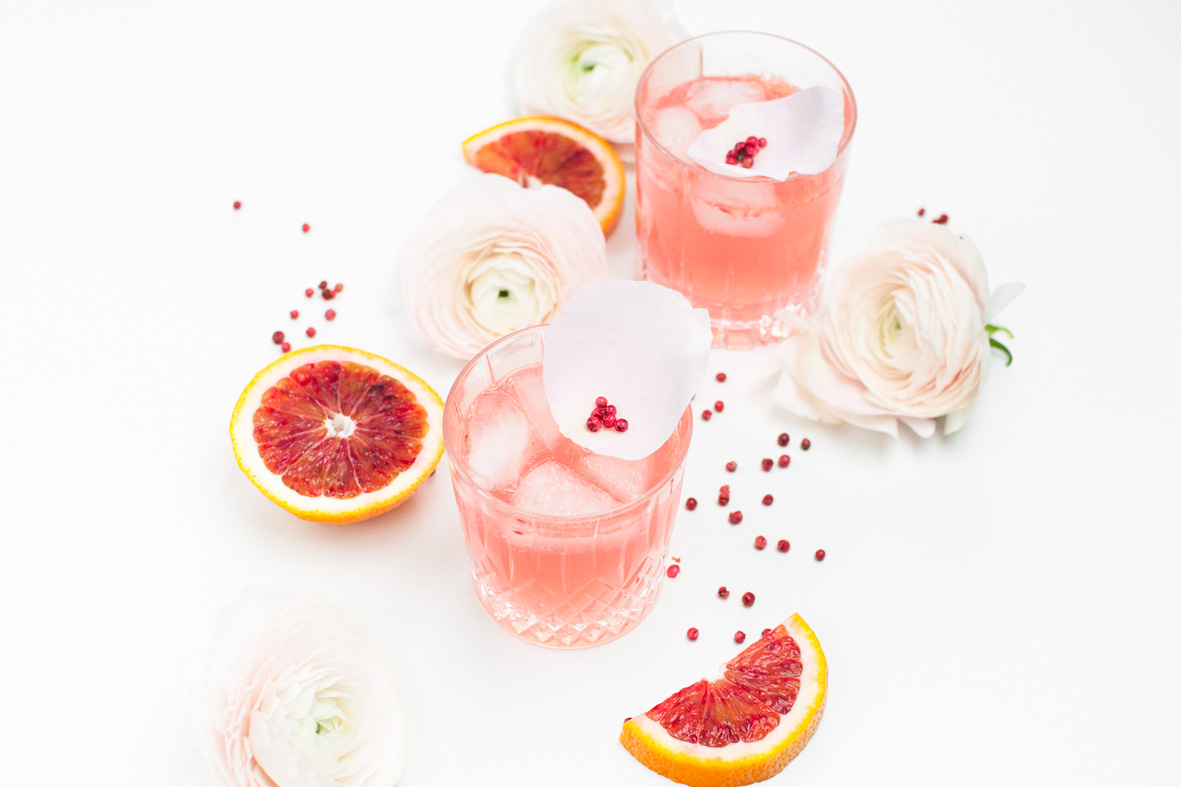 Pink Rose Cocktail http://vollgut-gutvoll.de/2016/01/29/pink-rose-cocktail/ ‎ #pink #rose #cocktail