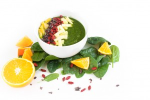 Kiwi Spinat Smoothie Bowl http://wp.me/p6GO5w-AU
