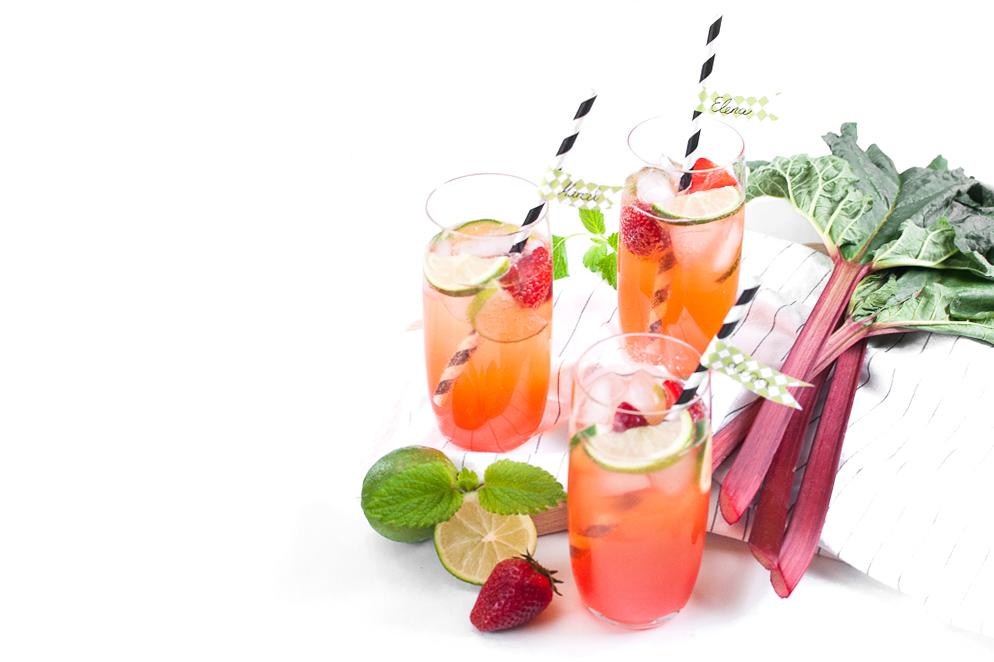 Rhabarber Erdbeer Limonade mit frischem Wasabi http://wp.me/p6GO5w-EC