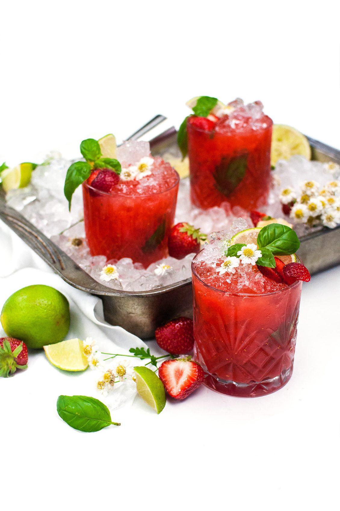 Strawberry Basil Fizz http://wp.me/p6GO5w-LR Cointreau Noir