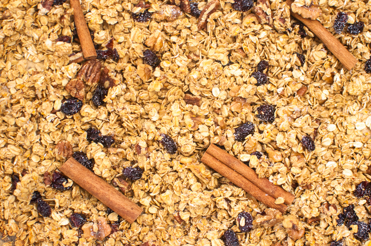 Gingerbread Orange Granola http://wp.me/p6GO5w-Ts