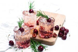 Kirsch Rosmarin Gin http://wp.me/p6GO5w-WN Cherry Rosmary Gin
