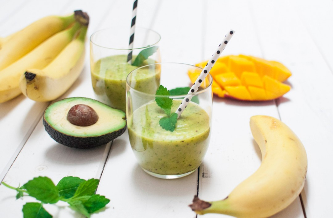 Green Avocado Petersilie Smoothie - voll gut und gut voll -