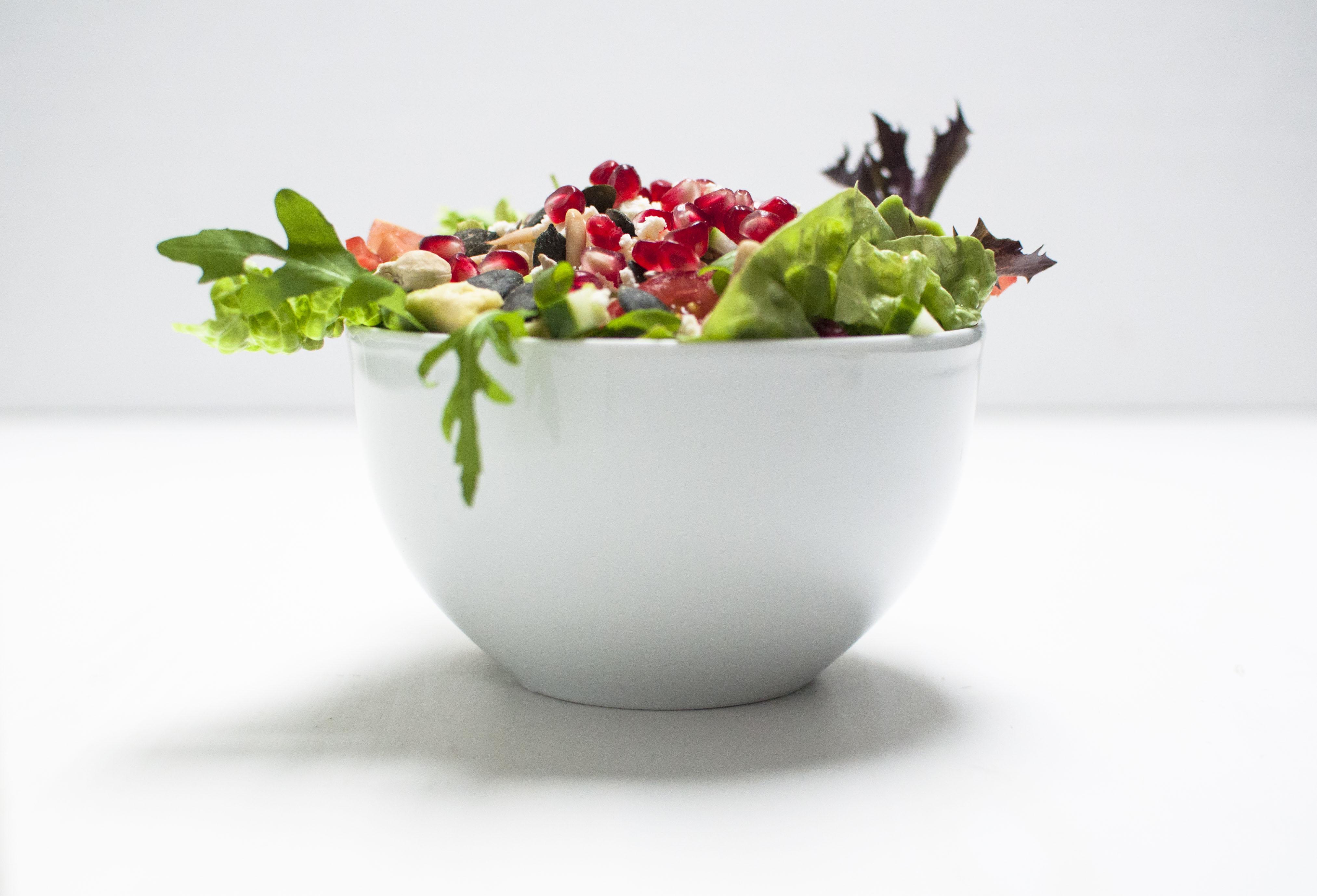 Frisch, Fit und voller Vitamine kommt ihr mit dem Power Salat durch den tristen Herbst.