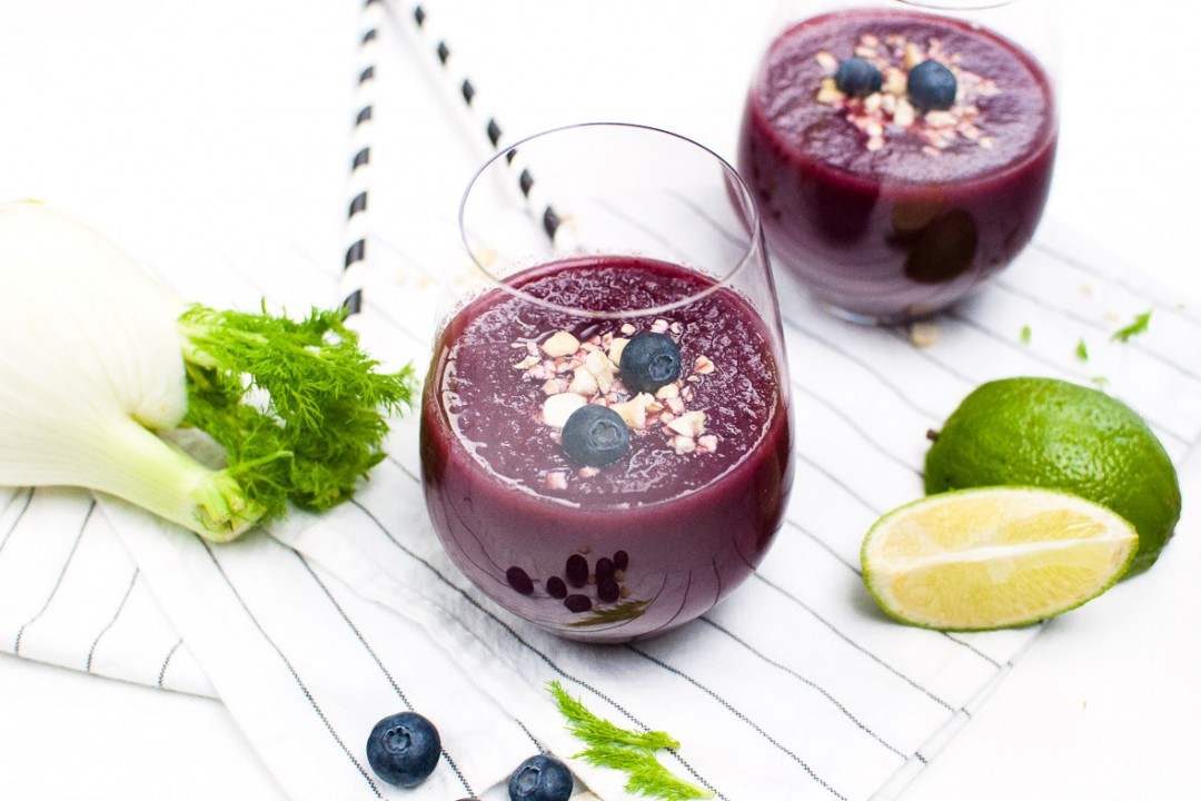 Blaubeer Fenchel Smoothie - voll gut & gut voll - Blueberry Fennel Smoothie http://vollgut-gutvoll.de/2016/02/23/blaubeer-fenchel-smoothie/