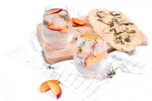 Pflaumen Gin mit Thymian http://wp.me/p6GO5w-BB