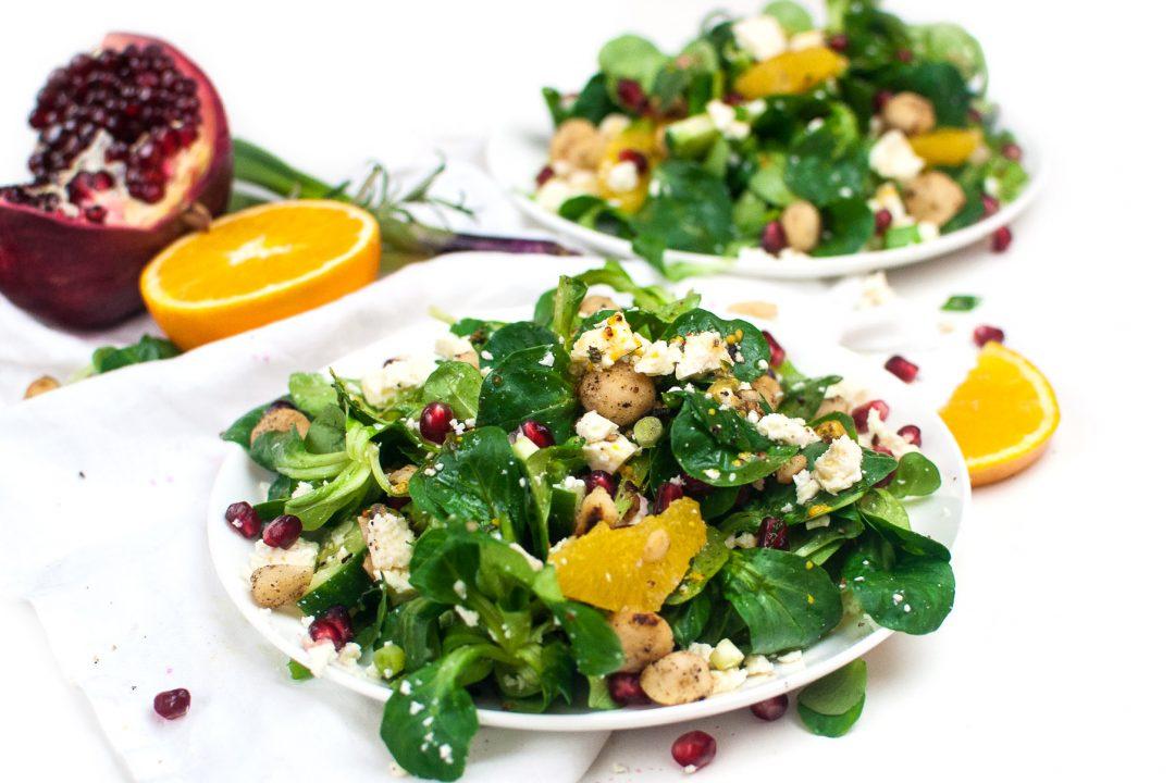 Fruchtiger Feldsalat mit Macadamia http://wp.me/p6GO5w-Ss
